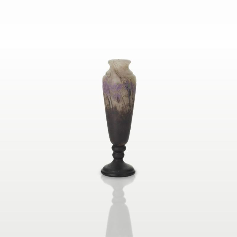 花瓶「スハマソウ属植物 Hépatique」